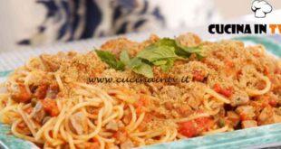 Giusina in cucina - ricetta Spaghetti al ragù di tonno di Giusina Battaglia