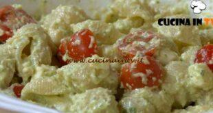 Fatto in casa per voi - ricetta Pasta al pesto di sedano di Benedetta Rossi