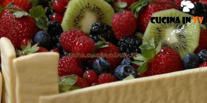Fatto in casa per voi - ricetta Cassetta di frolla con frutta di Benedetta Rossi