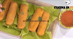 È sempre mezzogiorno - ricetta Crocchettoni di patate ripieni di Antonella Ricci