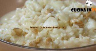 Risotto pere e gorgonzola ricetta Benedetta Rossi da Fatto in casa per voi