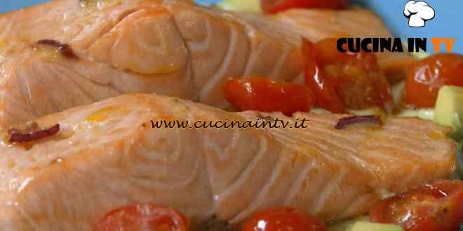 Fatto in casa per voi - ricetta Salmone con salsa di avocado di Benedetta Rossi
