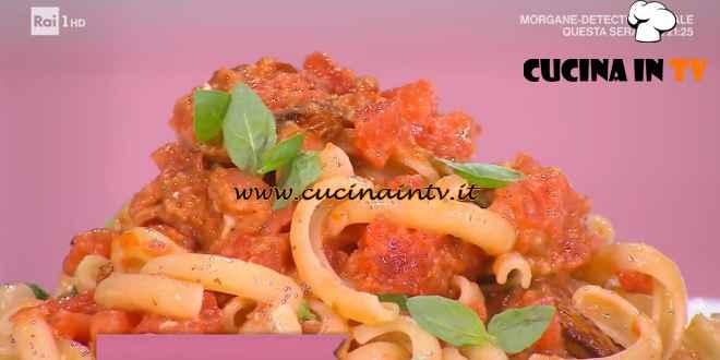 È sempre mezzogiorno - ricetta Spaccatelle al pesto siciliano di Fabio Potenzano