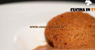 L'Italia a morsi al ristorante - ricetta Crema di Cogne con tegole valdostane di Simone Rugiati
