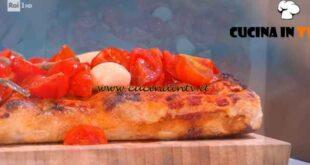 È sempre mezzogiorno - ricetta Pizza marinara in teglia di Fulvio Marino