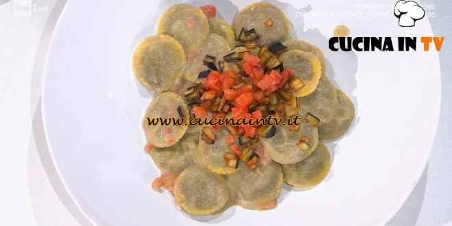 È sempre mezzogiorno - ricetta Ravioli di patate con caviale di melanzane di Michele Farru