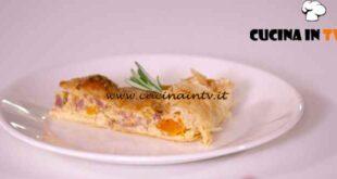 L'Italia a morsi - ricetta Torta salata con ricotta zucca e pestom di Chiara Maci